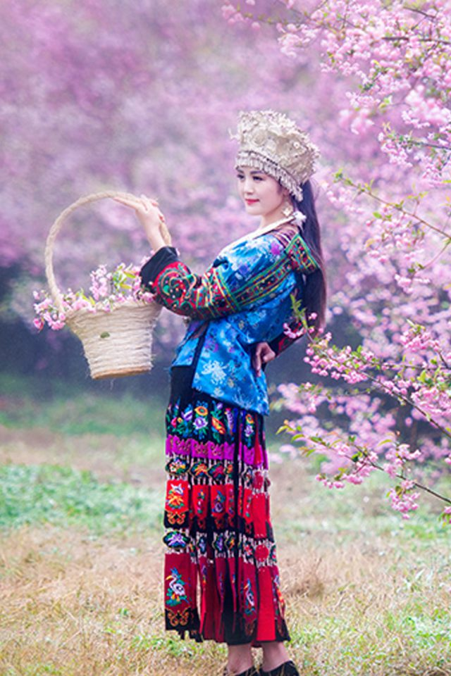 Chinese Ethnic Culture girl 1 iPhone wallpaper