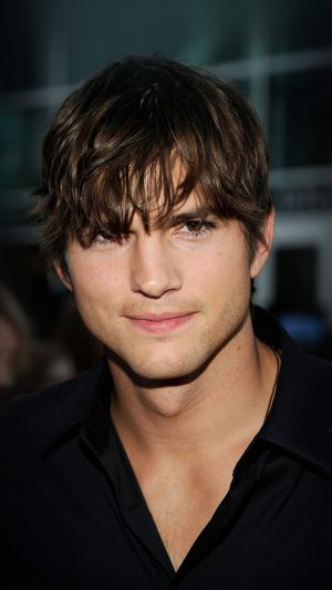 Ashton Kutcher Handsome Hollywood Actor Film Celebrity iPhone 8 wallpaper