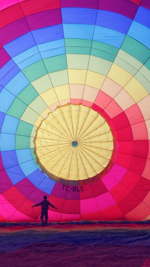 Hot Air Balloon Rainbow Nature iPhone 8 wallpaper