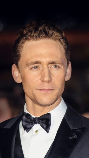Tom Hiddlestone Filme Actor Hollywood Celebrity iPhone 8 wallpaper