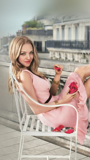 Amanda Seyfried Pink Celebrity iPhone 8 wallpaper
