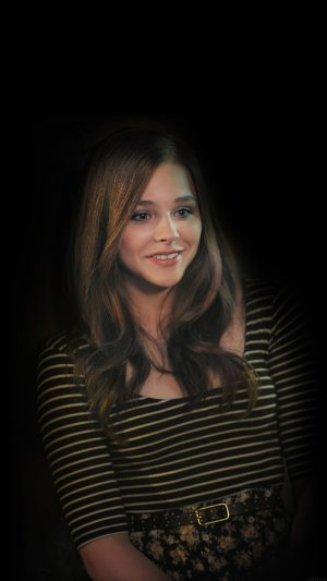 Chloe Grace Moretz Dark Actress iPhone 8 wallpaper