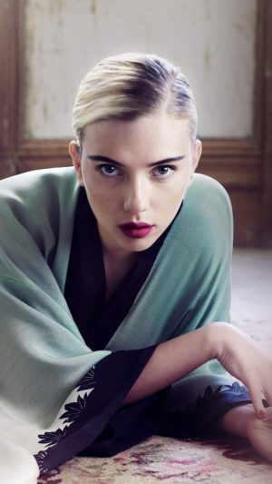 Scarlett Johansson Actress Girl Bed Model iPhone 8 wallpaper
