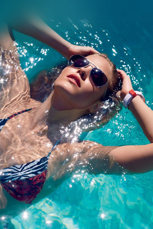 Swim Summer Bikini Model Water iPhone wallpaper